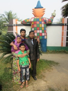 "<a href=""http://s1048.photobucket.com/user/bdviewer/media/IMG_0141_zpsf492a6c3.jpg.html"" target=""_blank""><img src= border=""0"" alt=""My family Picture at amusement park at nandan in Dhaka. photo IMG_0141_zpsf492a6c3.jpg""/></a>"